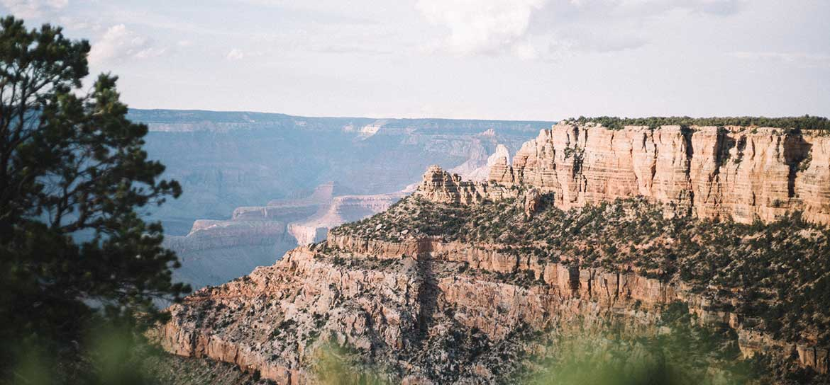 A bright, sunny Grand Canyon landscape